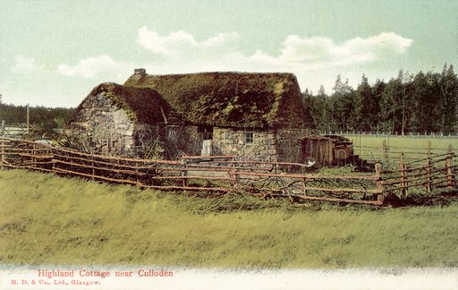 Highland Cottage near Culloden. Postcard, early 20th century.