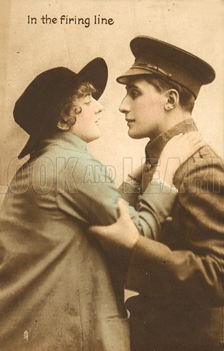 In the firing line, a couple about to kiss. Postcard, early 20th century.