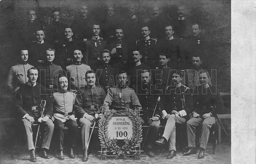 Group of men in uniform, possibly members of a German student military corps (Studentenverbindung). Postcard, early 20th century.