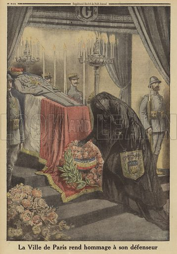 The people of Paris paying homage to General Joseph Gallieni, saviour of the city at the First Battle of the Marne in 1914 during World War I, following his death, 1916. La ville de Paris rend hommage a son defenseur. Illustration from Le Petit Journal, 18 June 1916.