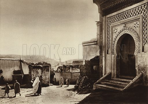 Fez, Bab Dekaken, Inner side. Illustration for Picturesque North Africa (Jarrolds, c 1925).  First published by Ernst Wasmuth, Berlin, 1925.  Gravure-printed. Photo credit: Photo-Flandrin Casablanca.