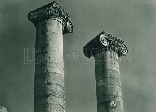 Sard sutunlari, Columns at Sardes. Illustration for Fotografla Turkiye [ie Turkey in Pictures] published by The General Direction of The Press, Ankara, c 1930.  Photographs provided by Orthmar Pferschy (1898-1984).  It is not clear whether or not all the photos are by Pferschy, or whether or not the copyright was acquired by the State.  Gravure printed.