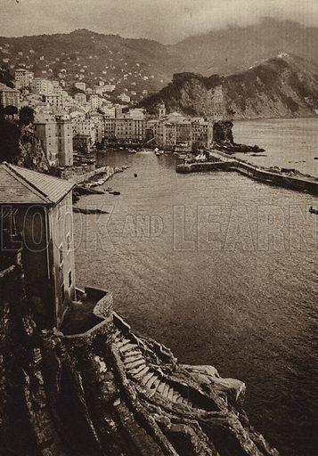 Camogli, Riviera.  Illustration for Unbekanntes Italien [Unknown Italy] by Kurt Hielscher (F A Brockhaus, 1941). Gruvure printed.