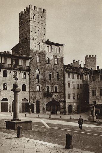 Arezzo, Piazza Vasari.  Illustration for Unbekanntes Italien [Unknown Italy] by Kurt Hielscher (F A Brockhaus, 1941). Gruvure printed.
