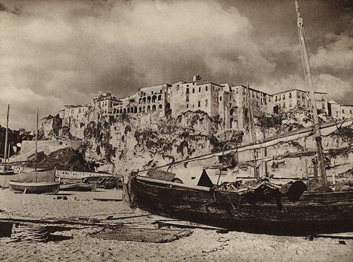 Tropea, Calabria.  Illustration for Unbekanntes Italien [Unknown Italy] by Kurt Hielscher (F A Brockhaus, 1941). Gruvure printed.