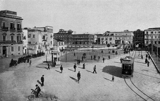 Taranto, Piazza Castello, Imbocc Ponte girevole. Illustration for Ricordo di Taranto (Giovanni Rimini, c 1900).  Only suitable for repro at small size.