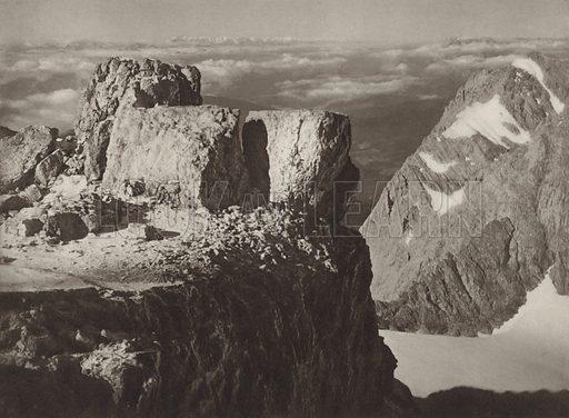 Auf dem Dachsteingipfel, 2993 m. Illustration for Osterreich Landschaft und Baukunst by Kurt Hielscher (Ernst Wasmuth, 1928).  Gravure printed.