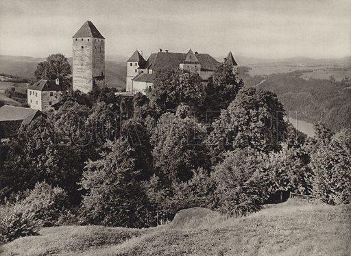 Burg Viechtenstein. Illustration for Osterreich Landschaft und Baukunst by Kurt Hielscher (Ernst Wasmuth, 1928).  Gravure printed.