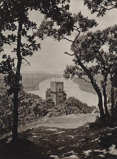 Burg Greifenstein a d Donau. Illustration for Osterreich Landschaft und Baukunst by Kurt Hielscher (Ernst Wasmuth, 1928).  Gravure printed.