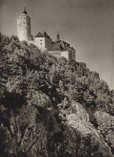 Burg Forchtenstein. Illustration for Osterreich Landschaft und Baukunst by Kurt Hielscher (Ernst Wasmuth, 1928).  Gravure printed.