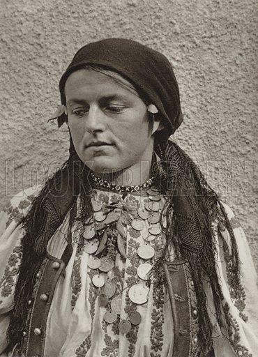 Merisor, Peasant woman. Illustration for Rumanien, Landschaft, Bauten, Volksleben, by Kurt Hielscher (F A Brockhaus, 1933).  Gravure printed.