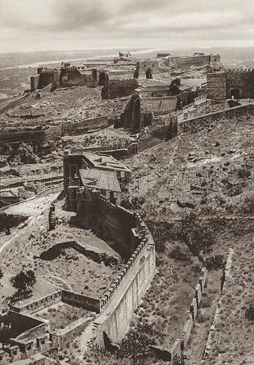 Sagunto, Roman Castle. Illustration for Das Unbekannte Spanien, Baukunst, Landschaft, Volksleben, by Kurt Hielscher (Ernst Wasmuth, 1925).  Gravure printed.