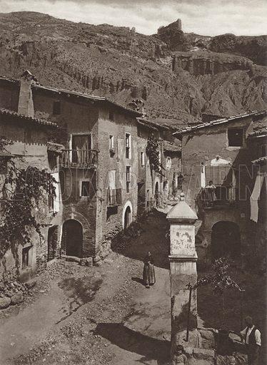 Daroca. Illustration for Das Unbekannte Spanien, Baukunst, Landschaft, Volksleben, by Kurt Hielscher (Ernst Wasmuth, 1925).  Gravure printed.