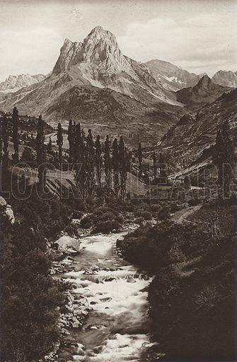 Pyrenees, Pic du midi. Illustration for Das Unbekannte Spanien, Baukunst, Landschaft, Volksleben, by Kurt Hielscher (Ernst Wasmuth, 1925).  Gravure printed.