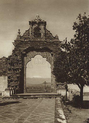 Entrada al atrio de la Iglesia de Acatepec. Entrance to the atrium of Acatepec Church. Illustration for Mexiko, Baukunst, Landschaft, Volksleben (Ernest Wasmuth, 1925). Gravure printed.