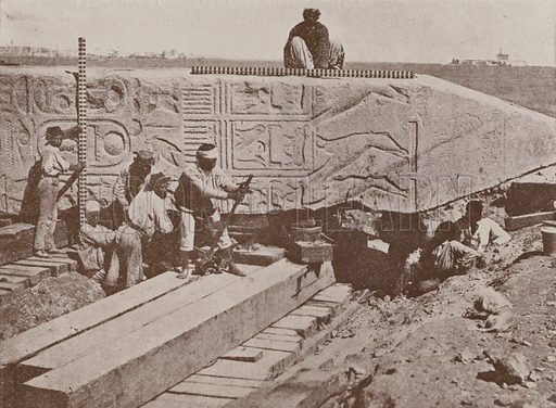 Prising up Cleopatra's Needle with jacks