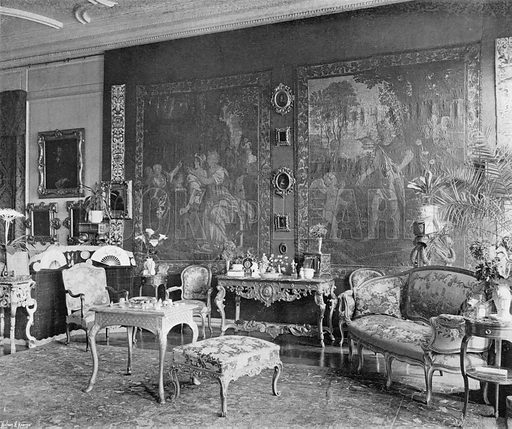 The North End of the Long Gallery. Photograph in In English Homes Vol 1 (Country Life, 1904).