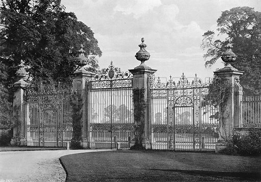 Inside the Gateways. Photograph in Gardens Old and New Vol III (Country Life, c 1910).