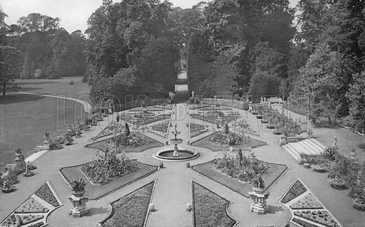 The Italian Garden. Photograph in Gardens Old and New Vol III (Country Life, c 1910).