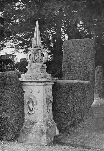 Art and Nature. Photograph in Gardens Old and New Vol III (Country Life, c 1910).