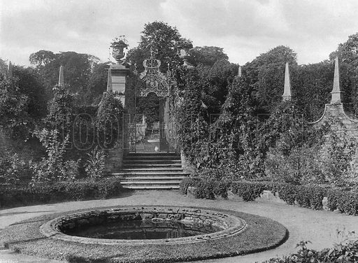 The Corona. Photograph in Gardens Old and New Vol III (Country Life, c 1910).