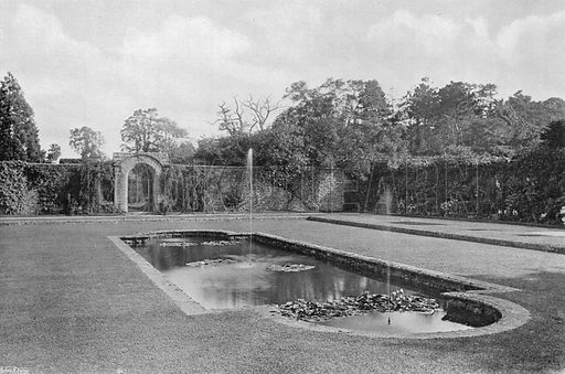 The Green Court. Photograph in Gardens Old and New Vol III (Country Life, c 1910).