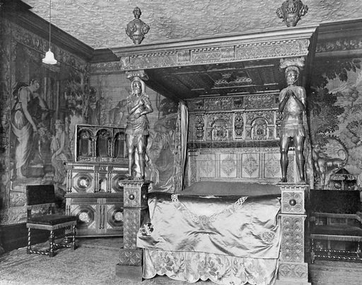 Queen Elizabeth's Room. Photograph for In English Homes Vol II (Country Life, 1907).