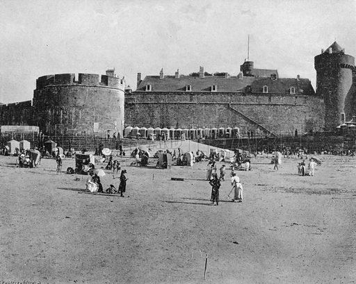 Saint-Malo - La Plage. Photograph for Le Panorama Merveilles de France (De Neurdein, c 1895).