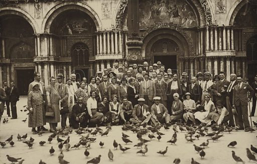 Postcard depicting pigeons being fed in Piazza San Marco