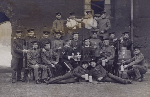 Group of German army soldiers. Postcard, early 20th century.