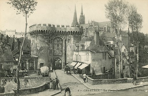 Porte Guillaume Gate, Chartres. Postcard, late 19th or early 20th century.