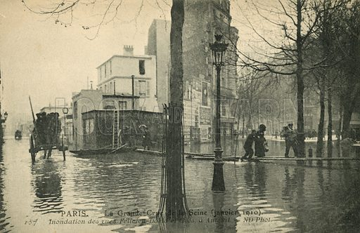 Rues Felicien-David et Gros a Auteuil, flooding in Paris, January 1910. Postcard, early 20th century.