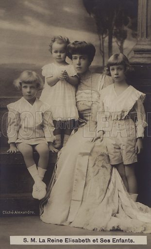Queen Elizabeth of the Belgians, and her children.  Postcard, early 20th century.