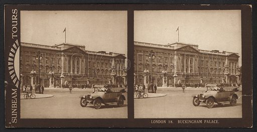 London, Buckingham Palace. Stereographic photograph, very early 20th century.