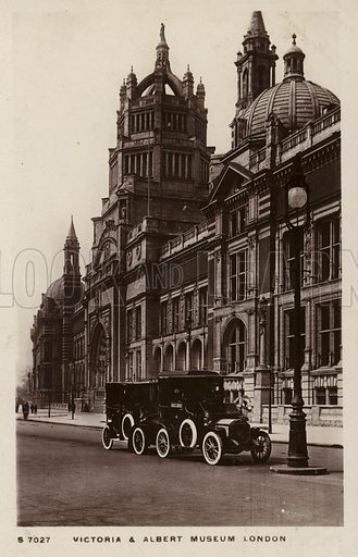 Victoria and Albert Museum, London. Postcard, early 20th century.