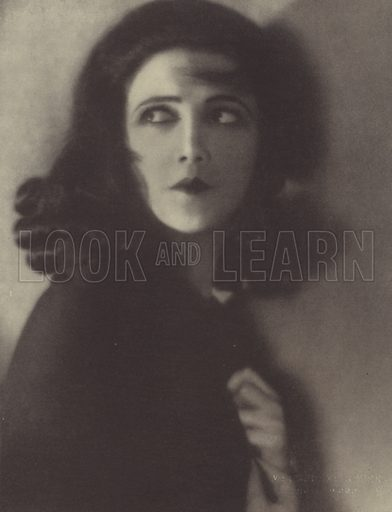 Jetta Goudal.  Illustration for Album de Cinelandia, Biografias y retratos autenticos edited by Lucio A Villegas (Hollywood, 1928).  Photo credit: Melbourne Spurr.