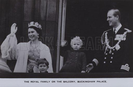 The royal family on the balcony, Buckingham Palace. Postcard, 20th century.