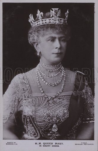 HM Queen Mary, In court dress. Postcard, 20th century.