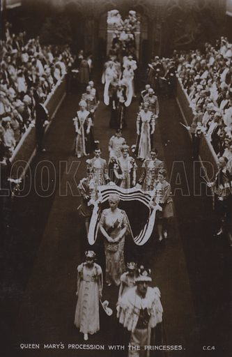 Queen Mary's procession with the Princesses. Postcard, 20th century.