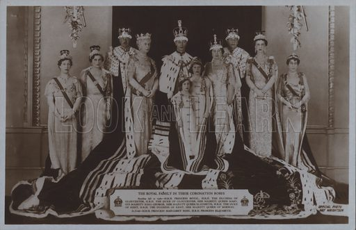 The royal family in their coronation robes. Postcard, 20th century.