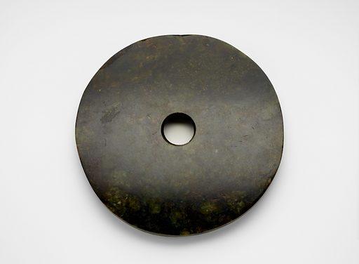 Disk (bi 璧). Date: BCE 2000s. Record ID: fsg_F1917.347.
