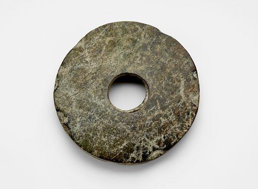 Disk (bi 璧). Date: BCE 2000s. Record ID: fsg_F1917.357.