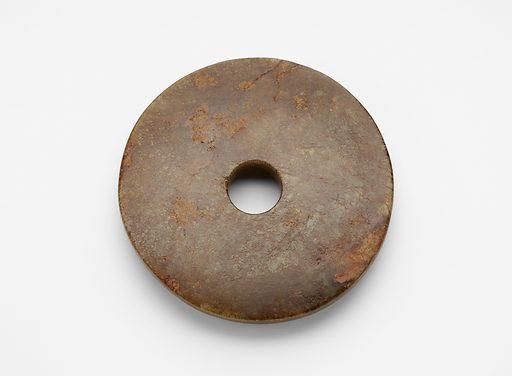 Disk (bi 璧). Date: BCE 2000s. Record ID: fsg_F1919.28.