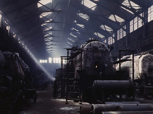 Santa Fe RR locomotive shops, Topeka, Kansas. Date 1943 March.