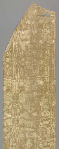 B) Moire silk with small scale floral pattern. Date: 1820s. Record ID: chndm_1931-88-84-b_f.