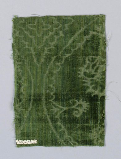 Green velvet of the ferronerie type with a voided design of ogival shapes. Made in: Spain. Date: 1500s. Record ID: chndm_1902-1-391-a_e.