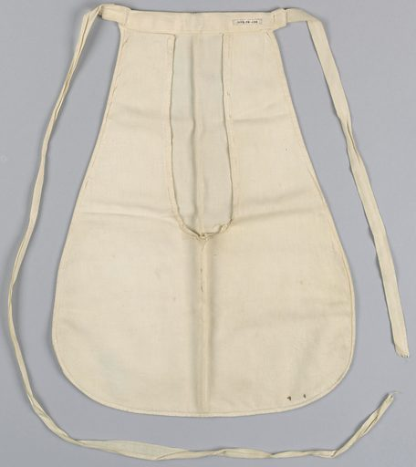 Woman's pocket in white cotton with tapes to fasten. Made in: USA. Date: 1800s. Record ID: chndm_1938-58-1134.