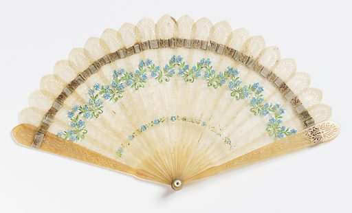 Brisé fan with pierced horn sticks painted with forget-me-nots, laced with a pale silk ribbon. Fan case has removable lid. Made in: France. Date: 1800s. Record ID: chndm_1953-17-155-a_b.