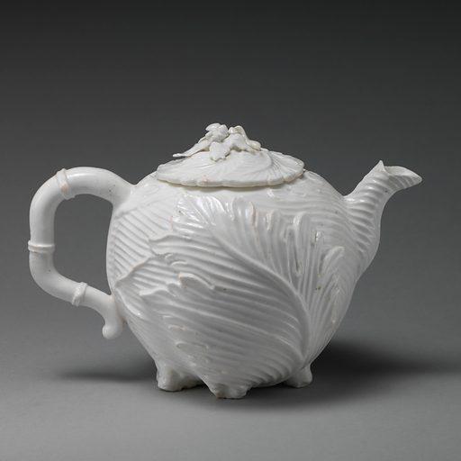 Teapot. Date: ca 1745–49. Accession number: 201471215a, b.
