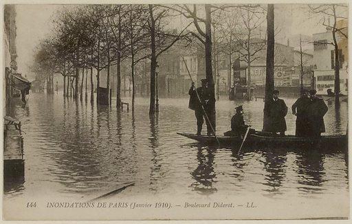 144 Paris floods – Boulevard Diderot